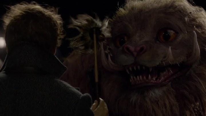 神奇动物:格林德沃之罪 片段3:驺吾现世 (中文字幕)