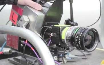《皮囊之下》中文特辑 阴藏摄像机造诡异视觉影像
