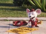 """《欢乐好声音》""""恶霸老鼠迈克""""片段曝光 街头卖艺为小费动手勒索"""