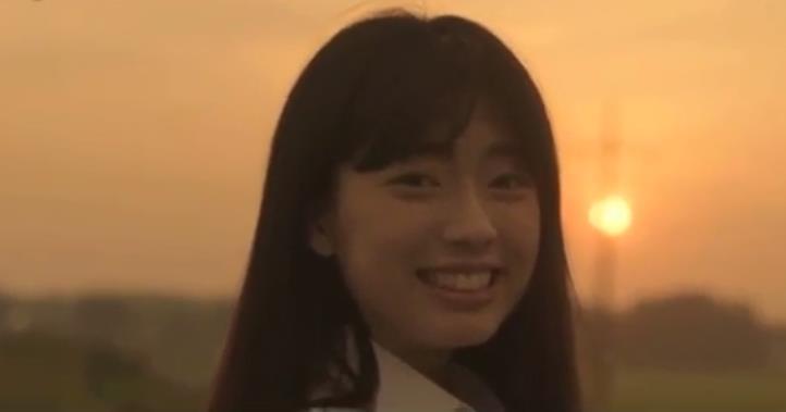 《邻里的人们》主题曲MV