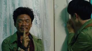 秦风和唐仁躲避警方的追捕 两人逃入了医院的病房中差点被发现