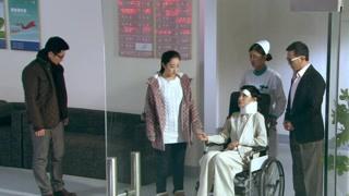 《生死相依》蓝卓带素素去医院看望沈芮 关系还是没好转啊