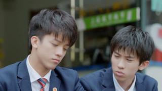 成员一心一意为李老师跟何老师的爱情操心