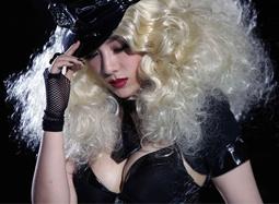 《东成西就2011》删减片段 黄奕爆乳造型惊爆眼球
