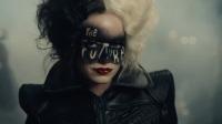 《黑白魔女库伊拉》中国定档预告片 从天才设计师到时尚女魔头
