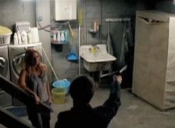 《环形使者》片段 布鲁斯·威利斯密室暗杀扑空
