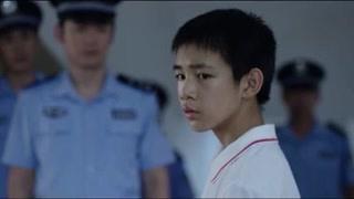 《隐秘的角落》朱朝阳来到朱晶晶坠楼的地方 他真的向警察坦白真相了吗?