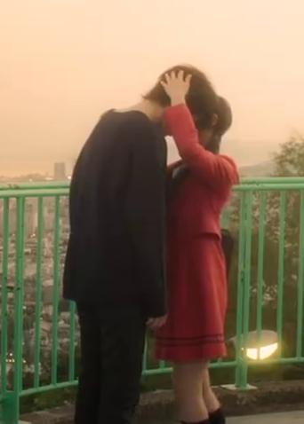 """《邻座的怪同学》""""恋爱赛高""""口碑视频 甜蜜值高达130分 """"柠檬精""""都被齁甜了"""