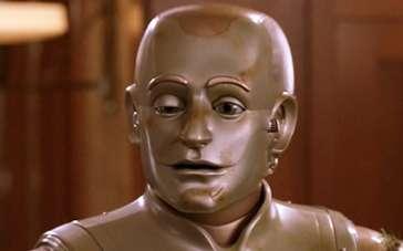 《机器管家》片段 史上表情包最丰富机器人