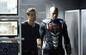 神盾局特工:黑版超人从天而降火场英雄救美