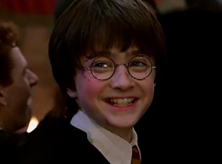 """《哈利·波特与魔法石》全球票房破10亿美元 跟随哈利""""重返童年""""尽享魔法狂欢"""