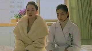 《玻璃婚》蒋小雯询问张丹家属的事 找不到其他人了