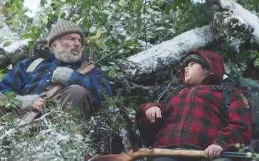 《寻找蛮人》中文预告片 熊孩子化身丛林小猎手