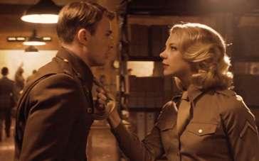 《美国队长》精彩片段 多默尔诱惑强吻美队埃文斯