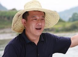 《飞扬的青春》访谈特辑 邓刚渴望唤起公益热情