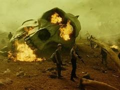"""《金刚:骷髅岛》""""尸骸遍野""""正片片段 巨型白骨骇人万分"""