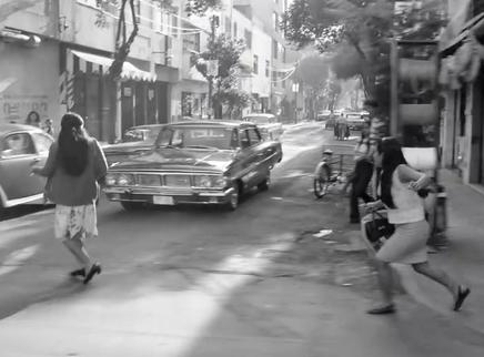 """《罗马》""""奋力奔跑""""片段 一部关于两个女人的回忆录"""