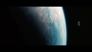Cooper驾驶飞船 与地球来个合影