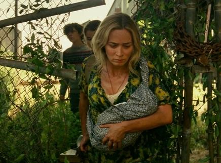 《寂静之地2》新片段 艾米莉·布朗特拖儿带女再陷危机
