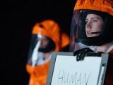 """科幻片《降临》全球首映 """"劳模姐""""留印好莱坞"""