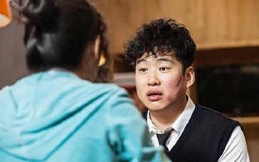 《伟大的愿望》中文预告 患病生与朋友完成心愿