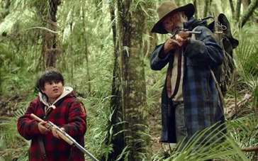 《追捕野蛮人》先行版预 胖小子学习丛林逃生