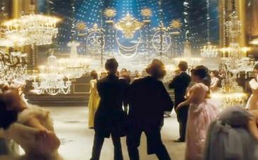 《安娜·卡列尼娜》场景特辑 重金还原俄国贵族宫殿