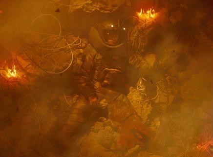 《拆弹专家2》曝微缩模型视频揭秘爆炸戏 震撼到爽,两小时大气不敢出