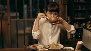 多部未华子两菜一汤吃霸王餐