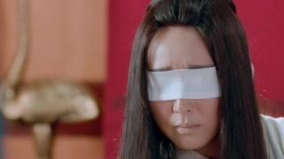 王后询问杨妃起草废后的诏书的事,杨妃吓得把碗都摔坏了