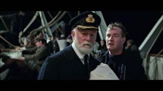 船长知道沉船已经无法拯救了 义无反顾的走向了自己的驾驶室