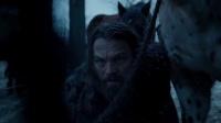 《荒野猎人》 偷马袭营救土著女 小李子骑马逃跑
