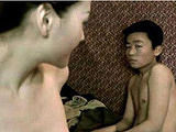 王宝强16岁参演影片片段曝光 被妓女破处