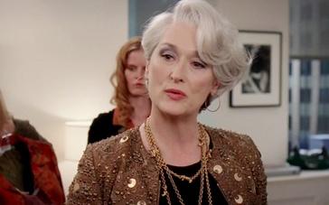 《穿普拉达的女王》片段 斯特里普羞辱海瑟薇老土