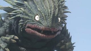 奥特曼的熟人格斯拉王 小不点变大怪兽