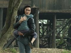 《被催眠的催眠师》花絮:杨玏片场抱娃追犯人