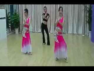 女子集体民族舞蹈视频《月亮》