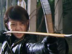《箭在弦上》女神保卫萝卜2分钟射杀上百个鬼子