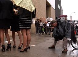 《街拍鼻祖比尔》预告片 活到老拍到老