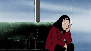 伊朗女子蒙着头纱在机场抽着烟思考人生
