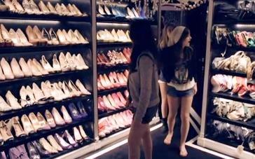 《珠光宝气》中文片段 希尔顿闺房满布时尚单品