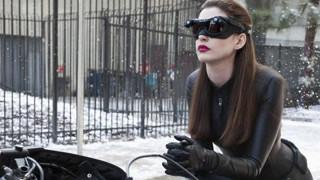 猫女蝙蝠侠上演世纪之吻