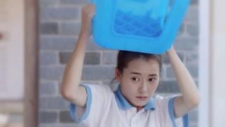 《我要和你在一起》柴碧云又美又可爱,是个惹人爱的姑娘