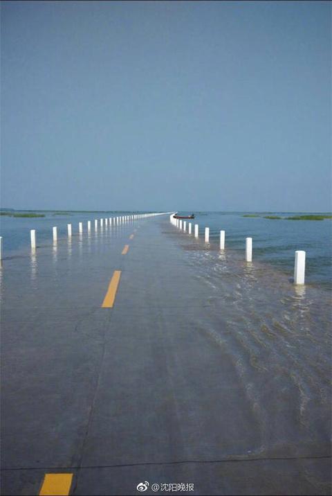 这是鄱阳湖的水上公路,被称作现实里的《千与千寻》