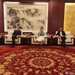 组图:奥斯卡影帝布劳迪到访巨力影视 杨子黄圣依夫妻做东