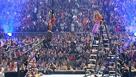 WWE历史经典!杰夫·哈迪空中摔跤 同归于尽