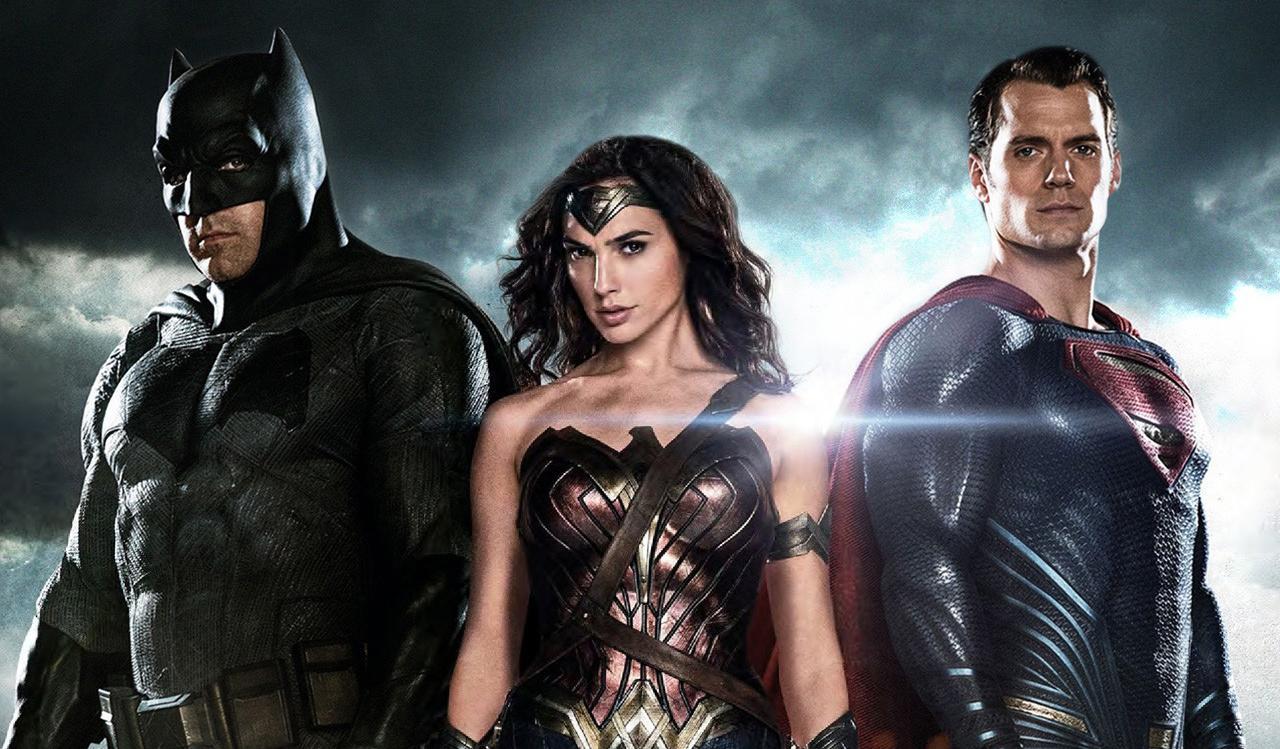 超人与蝙蝠侠_【电影反派控】超人与蝙蝠侠最强的对手!超越神的凡人莱克斯卢瑟!