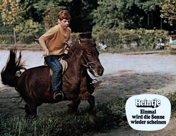 骑马少年简笔画