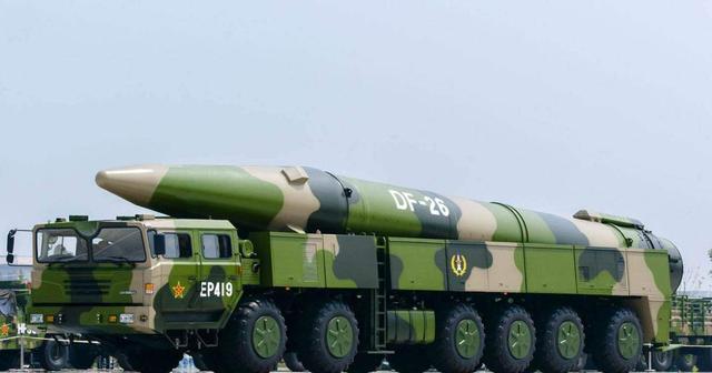 東方上空突然出現數枚導彈,美軍還敢再來南海撒野嗎?