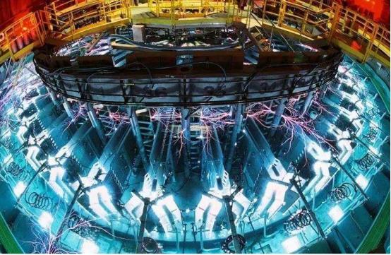 """影響76億人,國產""""人造太陽""""首次放電成功,外媒:中國發明的?"""